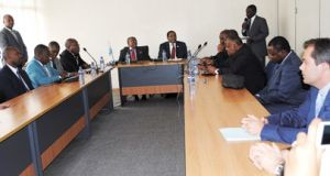 Angola dá dinheiro aos Grandes Lagos
