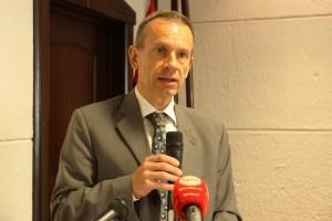 TOMÁS ULICNY, EMBAIXADOR DA UNIÃO EUROPEIA