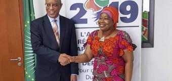 Comissária da União Africana chega a Luanda