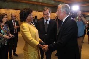 Primeira-Dama com o Presidente de Portugal na cerimónia de entrega dos prémios Gulbenkian Fotografia: DR