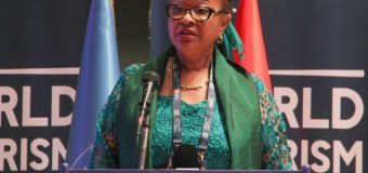 Angolana Josefa Sacko distinguida na Bélgica