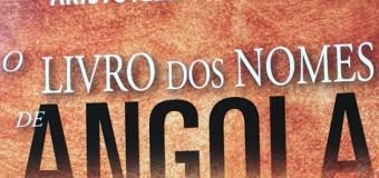 Escritor Aristóteles Kandimba oferece livro à Embaixada de Angola