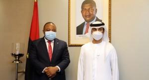 Ministro da Indústria e Comércio, Victor Fernandes à (esq) e Sheikn Ahned Dalmook Al Naktoun a (dir) FOTO: CLEMENTE DOS SANTOS