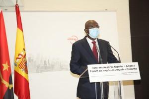 Manuel Nunes Junior, Ministro De Estado para a Coordenação Económica, Discursando no Fórum Angola - Espanha  Fotografia por: Francisco Miúdo